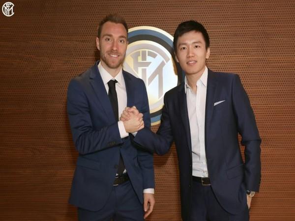 Christian Eriksen (left) (Photo/ Inter Milan Twitter)