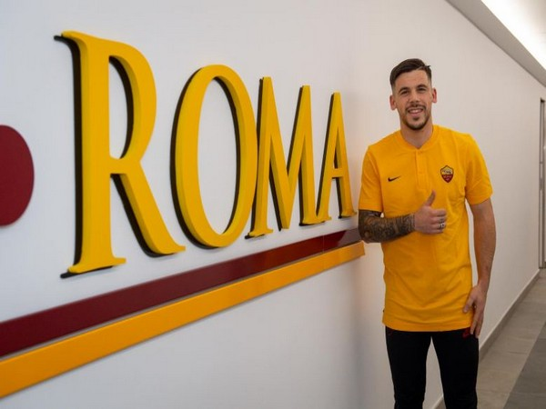 Carles Perez (Photo/ AS Roma Twitter)