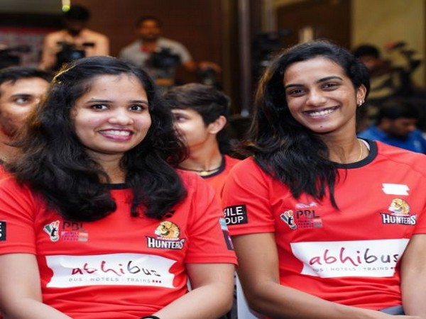 Sikki Reddy with PV Sindhu (Photo/ Hyderabad Hunters Twitter)