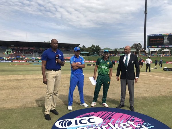 India and Pakistan skippers at the time of toss (Photo/ Cricket World Cup Twitter)